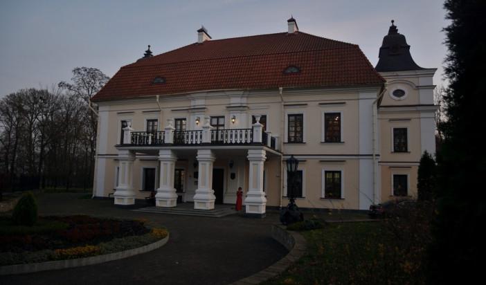 Bal Niepodległościowy w pałacu J.U.Niemcewicza w Skokach