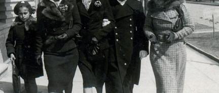 Polski oficer to perfekcyjny gentleman !