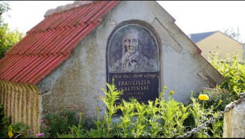 """""""Otóż mój dom ubogi…"""" Grób Franciszka Karpińskiego na Białorusi"""