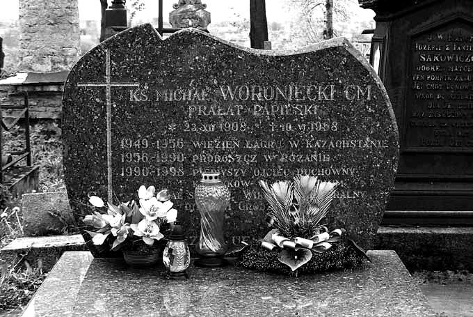 Grób księdza Michała Woronieckiego