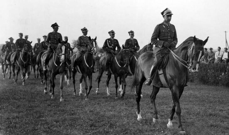 25 Pułk Ułanów z Prużany na zawodach o mistrzostwo armii w Baranowiczach w lipcu 1933 r.