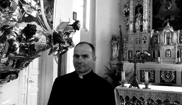 Ksiądz Paweł Wróbel - obecny proboszcz parafii pw. Przemienienia Pańskiego w Nowej Myszy