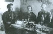 Śniadanie z księżmi prawosławnymi po poświęceniu cerkwi