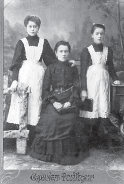 Anna Szost z córkami Olgą i Marią (przed 1914 r.)