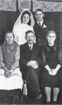 Danuta Tylińska-Mańkowska i Stanisław Mańkowski. Wesele. (1952 r.)