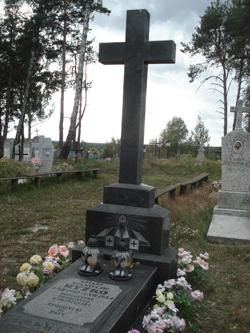 Grób wybitnego kapłana, Sybiraka, kronikarza parafii Stanisława Ryżko