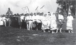 Dożynki (pocztówka, okres międzywojenny, ze zbiorów B. Dunin-Wilczyńskiego)