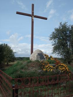 Zbiorowa mogiła 15 Polaków, zamordowanych przez Niemców w czasie II wojny światowej