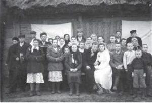 Wieś Pigasy, r-n Drohiczyński, lata 50-te. Kamesorczuk Michał i Maria