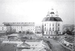 Kościoł O.Jezuitów w Pińsku, który w początkach lat 50-ch władze wysadzili w powietrze