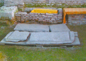 Turów, sarkofagi znalezione w cerkwi z XII stulecia