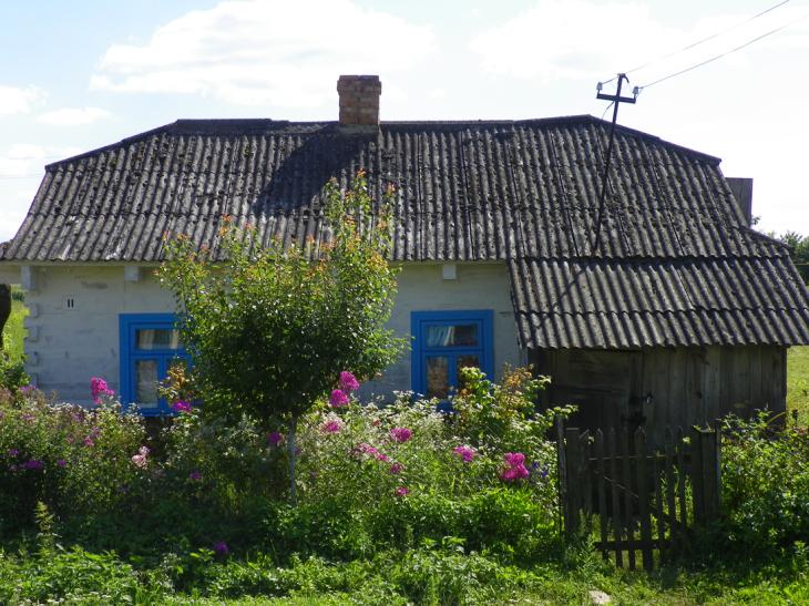 Domek we wsi Stara Koszara