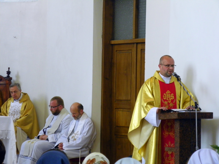 Homilię podczas Mszy św.   wygłosił ks. dziekan Jacek Dubicki CM
