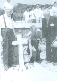 Konstanty Niewiadomski (od lewej) w 50 rocznicę bitwy pod Monte Cassino, 1994 r.