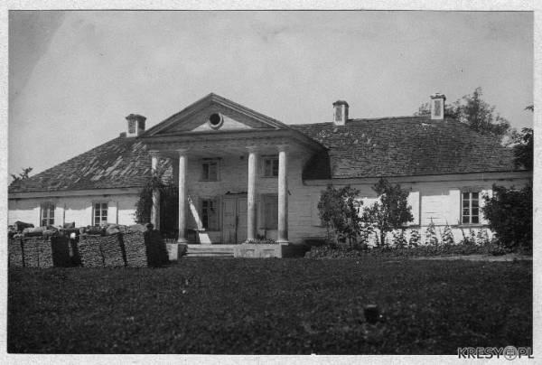 Dwór w Czombrowie przed II wojną światową