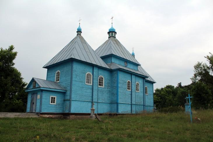 Drewniana cerkiew cmentarna p.w. św. Jerzego (Gieorgijewskaja) - jedna z najcenniejszych i najstarszych na Polesiu. Zbudowano ją w 1648 roku, przebudowano w 1724 r.