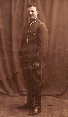 Żołnierz 78. Pułku Piechoty z odznaką pułkową