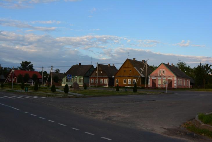 Zachowane do dzisiaj domy kupieckie przy rynku w Szereszewie