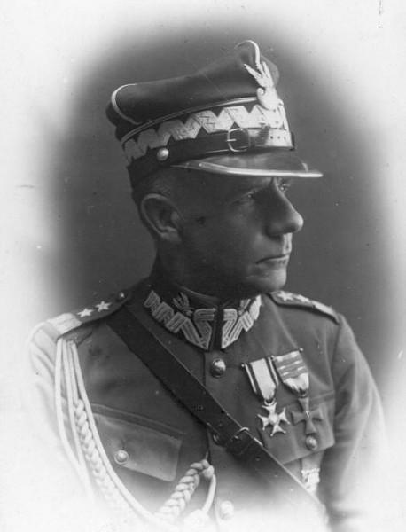 Generał Franciszek Krajowski