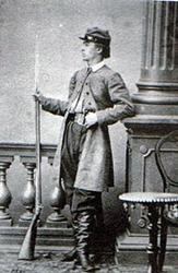 Franciszek-dAbancourt-walczył w Lubelskiem z kapiszonową dubeltowką z dorobionym bagnetem tulejowym
