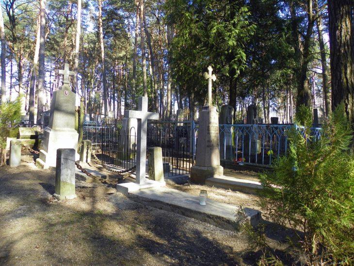Cmentarz w Baranowiczach. Odnawiona kwatera żołnierzy WP