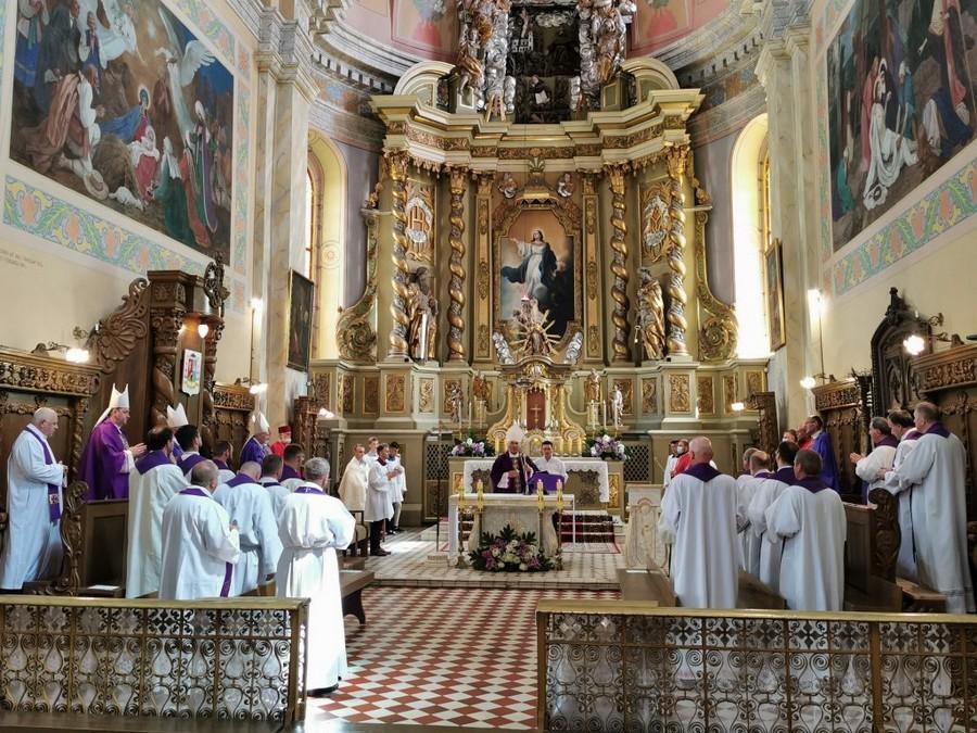 W Pińsku z udziałem katolickich biskupów uczczono pamięć kardynała Kazimierza Świątka